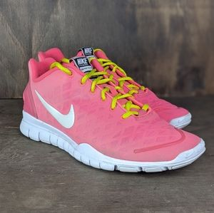 Nike free train fit